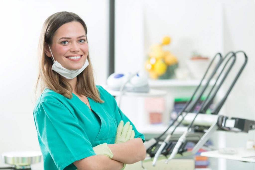 difference between dental hygienist and dentist